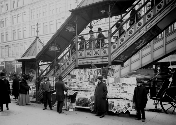 Typical Sidewalk Newsstand NYC 1902.jpg